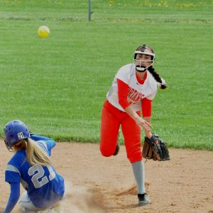 _DSC0402 turning a double play