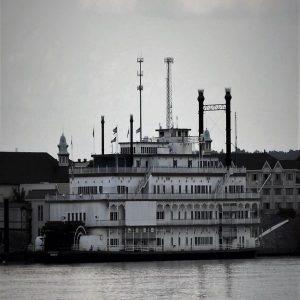 DSC_1358 river boat